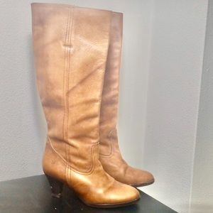 Frye leather heeled boots size 6